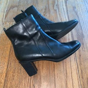 Leather Ankle boots size 6.5